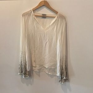 SEQUINED SLEEVE TOP